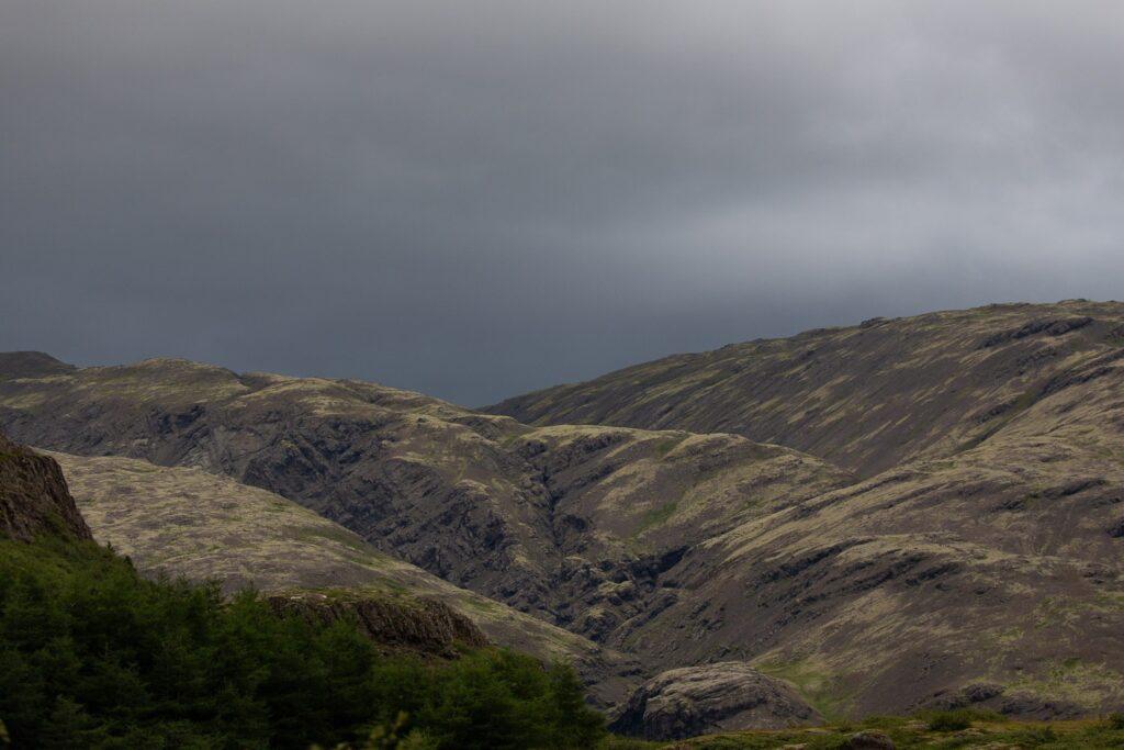 the fold of hills surrounding Haukafell
