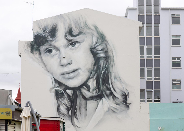 girl street art